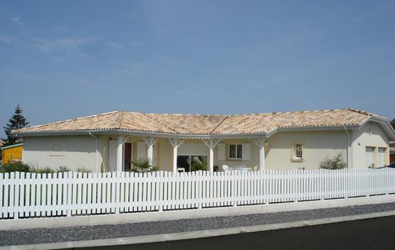 Mod le de maison de demeures caladoises pictures to pin on for Constructeur de maison individuelle landes
