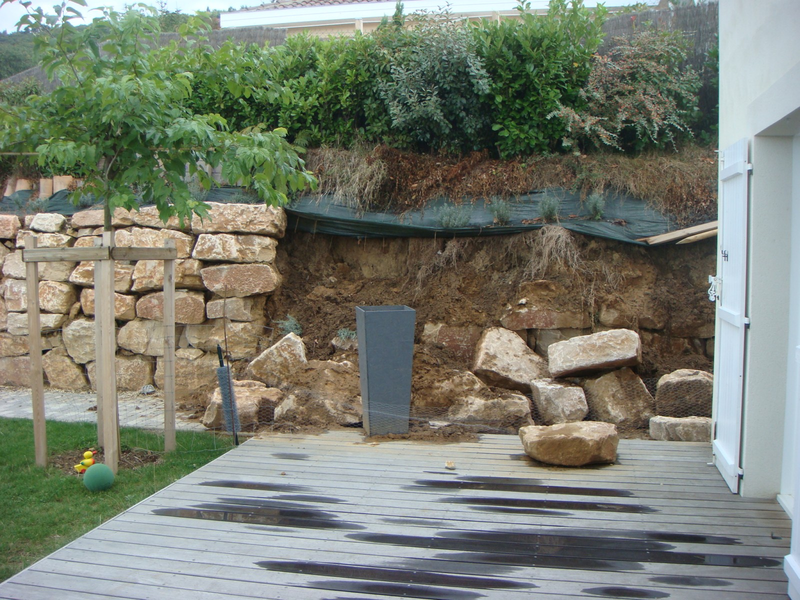 Amenagement talus tres pentu jx96 jornalagora for Construire sa maison sur un terrain agricole
